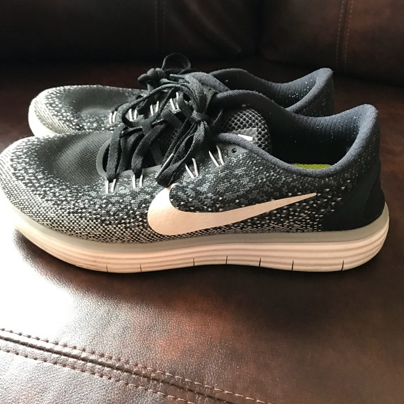 Nike women's shoes! Great condition! Size 8